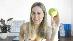 how to massage back with tennis ball